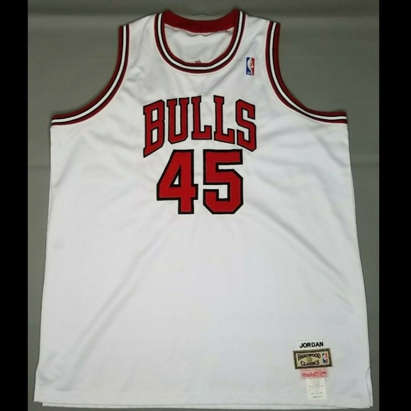 on sale a2133 5f0dc Michael Jordan 45 Bulls Mitchell & Ness Jersey 54